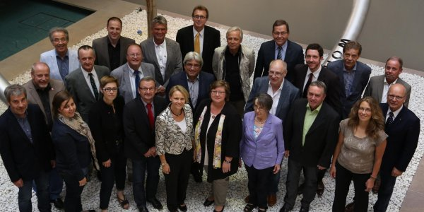 Die Gemeinderäte mit Bürgermeister Heinz Merklinger